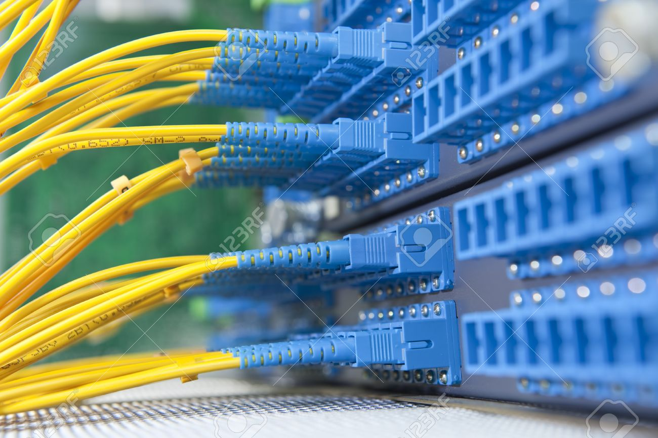 10252110-communication-and-internet-network-server-room-Stock-Photo